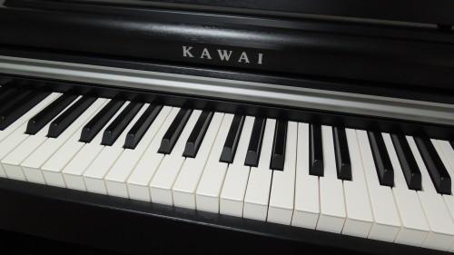 ピアノに近いキータッチ
