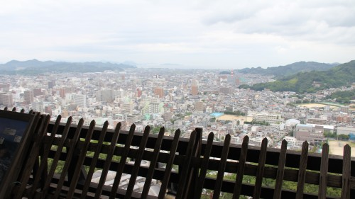 松山市内を一望できる