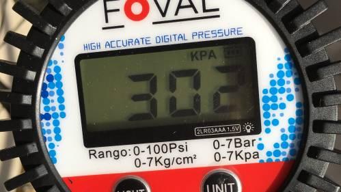 自転車タイヤの空気圧計測